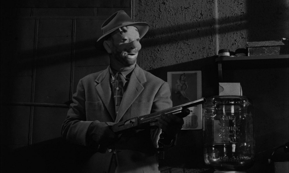 film noir a study in narrative openings part offscreen a left handed form of human endeavour narrative comparisons contrasts between the noir heist films the asphalt jungle and the killing